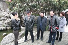 中国作家协会副主席蒋子龙喜游何园